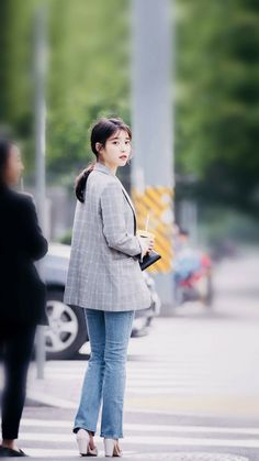 just random post that i like White Things bootstrap 3 color white Iu Hair, Kim Go Eun, Iu Fashion, Korean Star, Fandom, Pretty Men, Beautiful Voice, Korean Celebrities, Korean Beauty