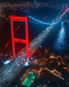 Beautiful Places To Travel, Best Places To Travel, Turkey Photos, Hagia Sophia, Turkey Travel, Dream City, Istanbul Turkey, Holiday Travel, Golden Gate Bridge