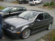 2005 VW Jetta GLI I got to get one for my sons gradation Vw Mk4, Car Volkswagen, Volkswagen Jetta, Mustang Wheels, Cheap Cars, Car Engine, Cars Motorcycles, Audi, Automobile