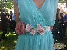 Cinturón de flores en rosa empolvado, blanco y mint.