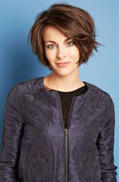 10 Best Layered Short Bob Haircuts Bob Hairstyles 2015 - Short Hairstyles for Women Short Bob Haircuts, Cute Hairstyles For Short Hair, Short Hair Cuts, Sweet Hairstyles, Thick Hairstyles, Elegant Hairstyles, Short Length Hairstyles, Medium To Short Hairstyles, Aline Haircuts
