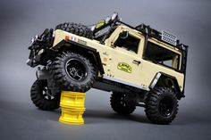 Lego RC Land Rover Defender 90 6