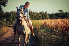 https://cdn.shopify.com/s/files/1/0332/4541/files/horseback-riding_689b9707-1adc-4c0f-b002-c2cefce4c6d0.jpg?30196