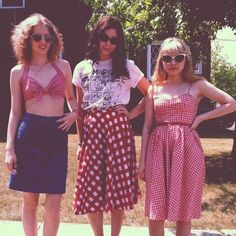 Rookie girls - gingham trio These girls do it right. Rookie Magazine, Tavi Gevinson, Summertime Girls, The Wombats, Haha, Indie, Mode Vintage, Vintage Fashion, Retro Fashion
