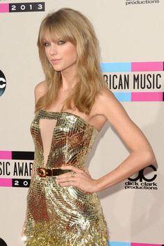 Taylor Swift in abito dorato