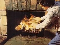 An Illinois reader has devised a way to build a fire in a fireplace that is more efficient than the traditional approach. This works so well! I build the hottest fire we've ever had tonight with this method! Custom Woodworking, Woodworking Projects Plans, To Build A Fire, Cheap Sheds, Build A Fireplace, Wood Storage Sheds, Large Sheds, Mother Earth News, Wood Burning Fires