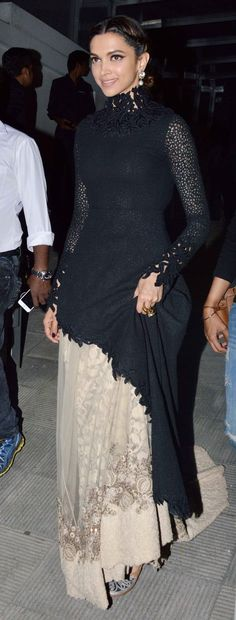 Deepika looks really regal in this ensemble. i love her dress, a lot such a gorgeous outfit
