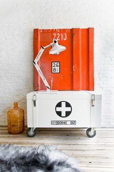 Un rangement malin pour un petit appart' style Oberkampf - Plus de 15 meubles au look parisien - CôtéMaison.fr