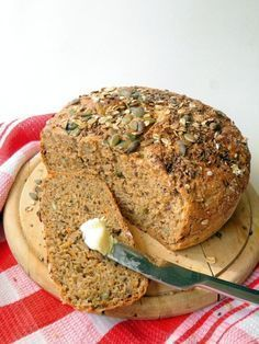 bread with carrots and seeds No Carb Recipes, Bread Recipes, Diet Recipes, Vegan Recipes, Cooking Recipes, Paleo Bread, Hungarian Recipes, Healthy Snacks, Food To Make
