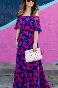 Floral Off the Shoulder Maxi Dress - - Pink and Blue Floral Maxi Dress Source by jennifer_lake Casual Dresses, Fashion Dresses, Summer Dresses, Maxi Dresses, Maxi Dress Styles, Flower Dresses, Fashion Fashion, Blue Floral Maxi Dress, Dress Patterns