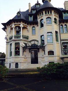 Villa Demoiselle Art Nouveau beauty in Reims www.champagnevranken.com/en/villa-demoiselle/rediscovered-jewel#block3