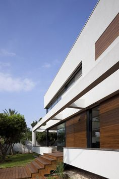 G HOUSE | Contemporary Mediterranean Villa | PazGersh Architecture Design | Photographer: Amit Giron | Archinect