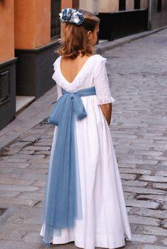 DSC00103 Première Communion, Communion Dresses, First Communion, The Dress, Baby Dress, Little Girl Fashion, Kids Fashion, Abaya Fashion, Fashion Dresses