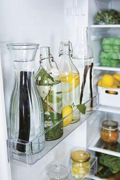 KORKEN fles met dop. Stel je favoriete keukenbordje samen en maak kans op een cadeaupas! Klik op de link voor meer informatie. http://www.pinterest.com/ikeanederland/keukens/ #IKEAwin