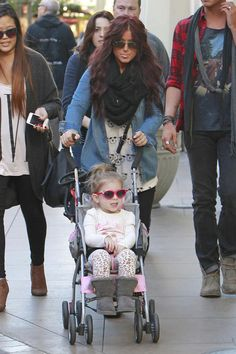 'Teen Mom 2' star Chelsea Houska pushes her cute daughter Aubree around The Grove in Los Angeles