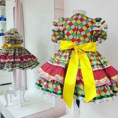 Lindo vestido de quadrilha, bem rodado e todo forrado por denreo! Não pinica!!!!