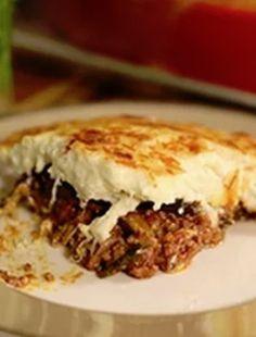 Greek Classic Moussaka - Dimitras Dishes One Pot Meals, Main Meals, Roasted Eggplant Slices, Greek Lasagna, Mousaka Recipe, Vegetable Casserole, Greek Dishes, Moussaka, Sliced Potatoes