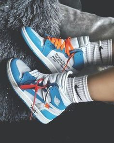 Shoes 623889354615979634 - Jordan 1 Retro High Off-White University Blue – Royal Goddess Collection Source by Jordan Shoes Girls, Girls Shoes, Best Jordan Shoes, Vans Girls, Surf Girls, Ladies Shoes, Sneakers Mode, Sneakers Fashion, Fashion Shoes