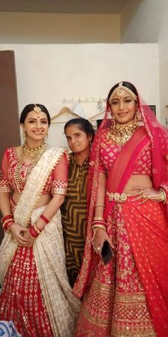 Indian Wedding Gowns, Wedding Lehnga, Indian Bridal Outfits, Indian Bridal Fashion, Indian Designer Outfits, Bridal Lehenga, Bridal Dresses, Gujarati Wedding, Indian Dress Up