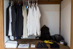 買得多不如買得精,善於配搭,衣櫃只得十件衣服,照可穿得有型有款。圖片來源:路透社