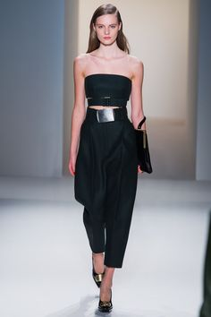 More pink lips at CK (see DVF) - loving the 90s minimalist feel to this bandeau top/crop pants pairing