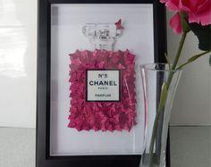Glitzer Bild Chanel Nr. 5 mit viel heiße Rosa Glitter Schmetterlinge, Bad, Wohnzimmer, Lounge, Esszimmer, Duschbad, Chanel Bild