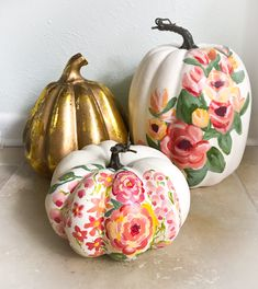 Painting Floral Pumpkins – Coast to Country Pumpkin Painting is always a fun activity & a great way to spend time with loved ones. What you'll need: Pumpkin. I purchased a faux pumpkin on sale at Kroger so I can enjoy it for years … Faux Pumpkins, Painted Pumpkins, Halloween Pumpkins, Fall Halloween, Halloween Crafts, Halloween 2018, Pumpkin Art, Pumpkin Crafts, Pumpkin Carving