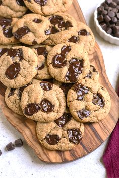 The Best Paleo Chocolate Chip Cookies! The perfect taste and texture and no one will be able to tell they're healthy! Gluten free, dairy free, and naturally sweetened. These are a must-make! #paleocookies #glutenfree #healthy #easyrecipe #dairyfree | realfoodwithjessica.com @realfoodwithjessica Paleo Chocolate Chip Cookies, Paleo Cookies, Paleo Treats, Gluten Free Cookies, Paleo Dessert, Dessert Recipes, Desserts, Best Gluten Free Recipes, Real Food Recipes