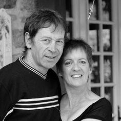 """Véronique et Jean-François, propriétaires de la Maison d'hôtes """"La vieille Maison de Pensol""""  : """"Chaque jour, nous apprécions les nouvelles rencontres, le partage de bons moments et notre nouvelle qualité de vie àdeux"""""""