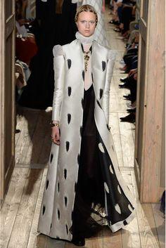SevenRoses: Valentino Haute Couture F/W 2016-2017