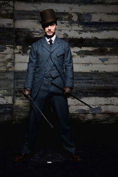 """Jude Law as Dr Watson in """"Sherlock Holmes"""" Jude Law, Sherlock Holmes, Watson Sherlock, Holmes Movie, Mystery, Hey Jude, Downey Junior, John Watson, Men Design"""