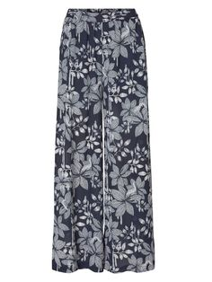 Floral printed wide leg trousers from VERO MODA. Perfect for warm summer days.