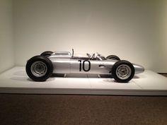 Uno de los tres + Porsche coches de Fórmula 1 que quedan en el mundo.   #F1 #Formula1 #Porsche #F1Classics a través de Reddit