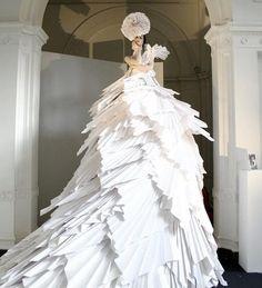 paper dress shown at a London fashion show Origami Fashion Dress Paper Fashion, Fashion Art, Fashion Show, Fashion Design, Origami Fashion, Style Fashion, Vitrine Design, Big Dresses, Paper Dresses
