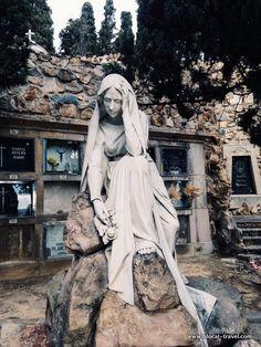 My favorite cemeteries in Barcelona ⋆ Blocal Travel blog || The Montjuic cemetery > Read my blogpost here: http://www.blocal-travel.com/cemetery/cemeteries-barcelona/