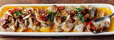 + Śledzie z suszonymi pomidorami na ostro Z papryczką chili i musztardą francuską