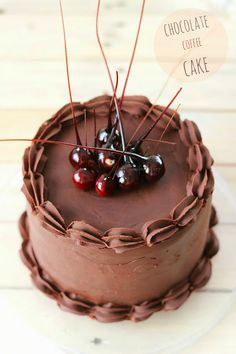 Tarta de café y chocolate con avellanas caramelizadas