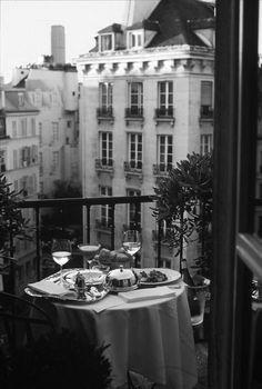 ♔ Dinner in Paris