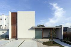 Architecture Details, Interior Architecture, Villa Design, House Design, Japan Modern House, Diy Crib, Facade House, Beautiful Interiors, Building Design