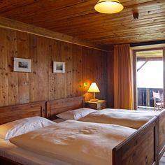 Rustikales Zimmer im Gasthof Bad Dreikirchen Südtirol