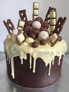 Candy Birthday Cakes, Pretty Birthday Cakes, Pretty Cakes, Cake Decorating Designs, Cake Designs, Cake Recipes, Dessert Recipes, Crazy Cakes, Birthday Cake Decorating