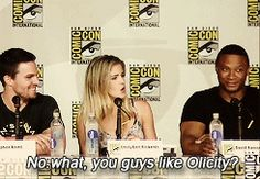 """Priceless. Emily's fake """"shocked"""" expression. Stephen's knowing smile. David's whole face. xDD"""