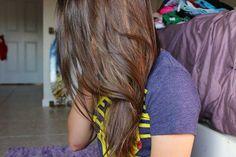 brown hair.♡