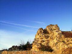 Borgo Castello è un borgo di Calitri (Avellino), cuore del centro antico sede del Museo della ceramica .