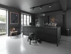 Black kitchen * Ideen für Küchen in schwarz * Vipp A/S