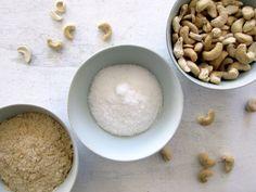 Zutaten für eine vegane Parmesan-Alternative #rezept #vegan #alternative Food, Vegan Parmesan Cheese, 3 Ingredients, Food Food, Recipes, Meal, Eten, Meals