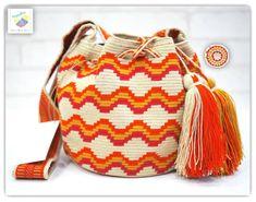 18 отметок «Нравится», 2 комментариев — Wayuu Bags &Bikini etc. (@wayuukiss) в Instagram: «Wayuu bag one strand รุ่นChila brand ⭕️Sold out⭕️ •มีป้ายแบรนด์ด้านใน+มีการ์ด •ฐาน 6สูง 7 นิ้ว…»
