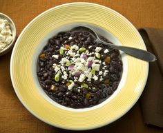 Vegetarian bean soup is a quick, healthy, high-fiber and high-protein meal. If you& looking for a low-fat vegetarian or vegan bean soup recipe, try these. Quick Soup Recipes, Bean Soup Recipes, Dip Recipes, Yummy Recipes, Vegan Bean Soup, Vegetarian Soups, Vegetarian Mexican, Vegetarian Cooking, Healthy Cooking