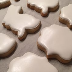 This is my all time favorite royal icing recipe! It is modified slightly from SugarDeaux's recipe found on her FB page. This recipe uses 2 lbs of confectioners