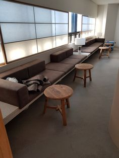 Bank Interior Design, Cafe Interior, Cafe Design, Modern Interior, Interior Architecture, Built In Seating, Hospital Design, Commercial Interiors, Office Interiors